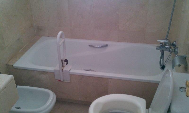 Cambiar ba era en cuarto de ba o con m rmol y sacar bidet for Como arreglar una ducha