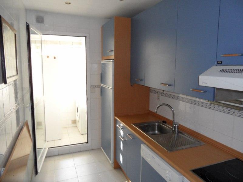 Reformar cocina lavadero y cambiar ventana de sal n - Cambiar la cocina ...