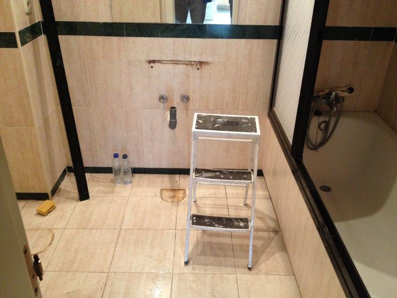 Reformar ba o en m rmol para minusv lido for Quitar manchas marmol lavabo