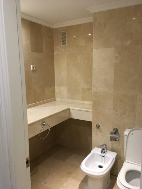 Quitar ba era por plato de ducha for Precio hacer un cuarto de bano nuevo